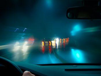 Autorijden in het donker